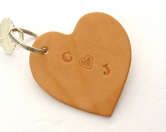 Leather Heart Key Fob Custom Valentine Gift Sweetheart Key Ring Handmade Leather Key Ring Customized for Couples Heart Keychain