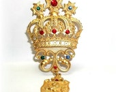 Large Runway Crown Crest Shield JJ pin Jonette brooch Gold tone