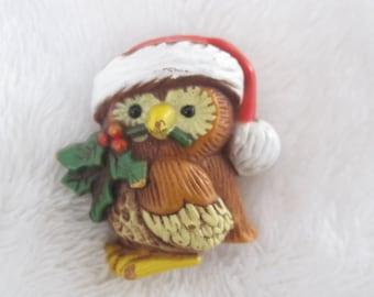 Vintage Hallmark Christmas owl plastic pin