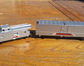 VINTAGE - 1985 Original G1 Tyco Transformer electric train cars collectible toy train