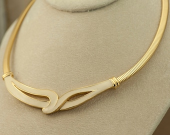 Necklace - Creamy Enamel Vintage Gold Tone Choker Necklace