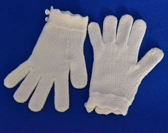 Vintage Child's Knit Gloves in White with Decorative Button Embellishment