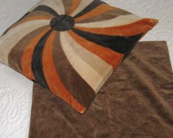 velvet pillowcases . lot of 2 . 70s decorative pillows . brown and orange velvet pillowcase . retro decorative pillow