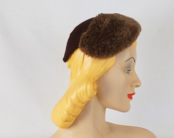 Vintage Hat 1930s - 1940s Fur Cap Brown Wool from Best and Co
