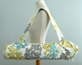 Yoga Mat Bag. Womens Yoga Gift. Modern Floral Yoga Bag. Fitness Gifts. Yoga Mat Carrier. Yoga Mat Holder. Yoga Gifts for Her. effie Yoga Bag