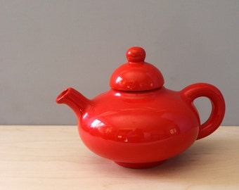 Vintage ceramic teapot, chubby 1930s tea pot.
