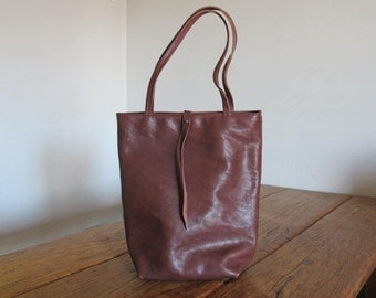 Hand Stitched Simple Leather Tote Bag - Chocolate Brown -