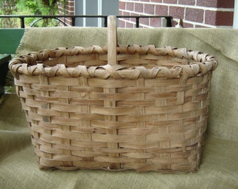 Vintage Primitive Split Oak Large Gathering Basket Farmhouse Chic Storage Basket 1940s