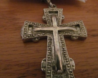victorian cross pendent