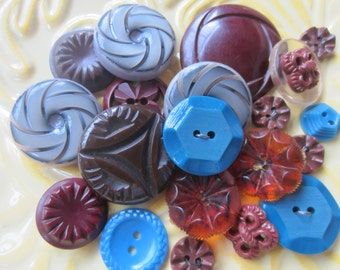 Vintage Buttons - Cottage chic mix of blue, and brown, lot of 20 old and sweet( june65c)