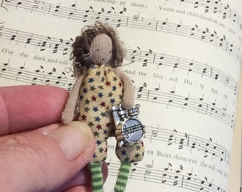 teeny weeny  dolly and his drum