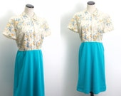 VTG 60's Dainty Floral Day Dress (Medium) Two Toned Blue Skirt Short Sleeve Shirt Dress Flowers Lace Button Up Retro