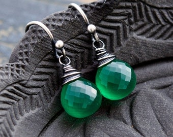 Green Onyx Earrings, Emerald Green, Kelly Green, Drop Earrings, Dangle Earrings, Wire Wrapped, Sterling Silver, Green Onyx, PoleStar