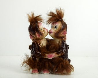 Fuzzy Kissing Monkeys Ceramic Figurine, Bradley Exclusive, Made in Japan, Monkeys on a Park Bench