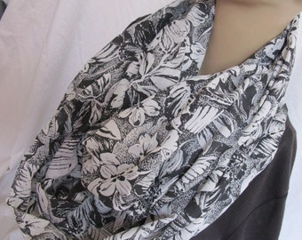 Black and White Floral Cowl/Circle Scarf/Infinity Scarf (5088)