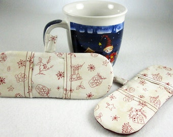 Hot Holders Microwave Oven Finger Mitts - Old Fashioned Christmas, Burgundy, Tea Stained, Winter, Magnetic Pot Holder, Mini Mitt