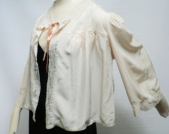 SPECIAL OFFER-1930s soft creme silk jacket /ivory lace jacket / vintage 30s bolero/ 1930s bedjacket