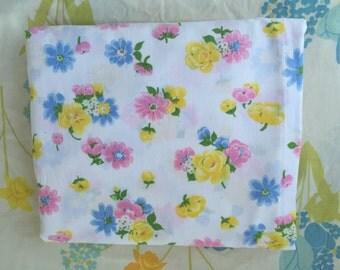 Pastel floral full flat vintage sheet, Sweet vintage double sheet