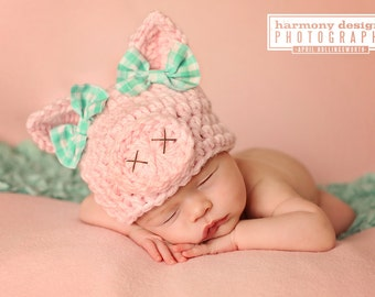 baby pig hat // spring hat // newborn photo prop // piggy hat // pink // baby girl hat // animal hat // OINK // baby girl photo prop // bows