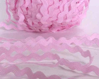 6 mm Pale Pink Ric Rac, Pink Reversible Decorative Trim, 5 metres of 6 mm wide Pink Ric Rac