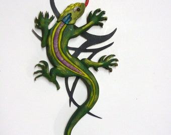 Lizard Wood Carving Tattoo Style