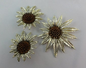 Vintage Sarah Coventry Brooch & Earrings Set- Floral Brooch Clip-On Earrings Lot- Gold Flower and Amber Cabochon Jewelry, Sarah Cov 1960s