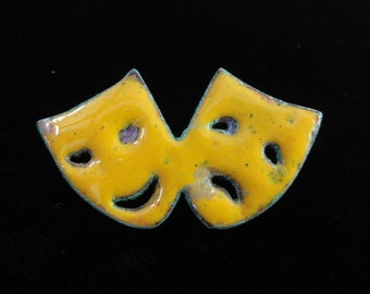 Drama Masks Brooch- Vintage Yellow Enameled Copper Brooch- Comedy & Tragedy Acting Masks Pin- Handmade Vintage Mid-Century Jewelry 1950s 60s