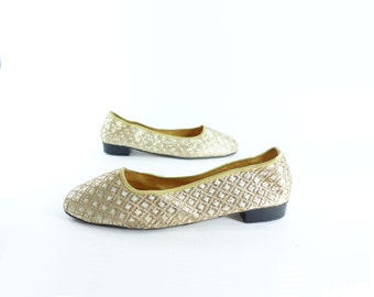 Vintage Gold Flats, 60s Mod Gold Shoes, Gold Party Slippers, 1960s Mod Shoes, Vintage Gold Shoes, Gold Glitter Flats, 8.5