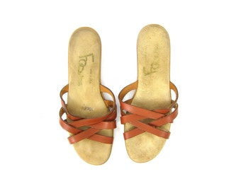Brown Leather Sandals Vintage Open Toe Minimal Strappy Sandals Boho Summer Wedges 1970s Flip Flops Womens sandals Size 9