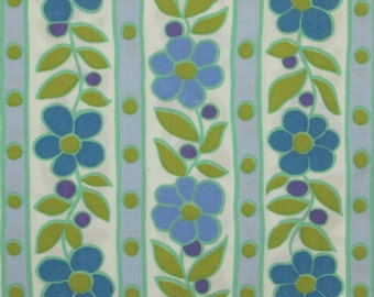 Vintage fabric Cannon featherlite sheet blue retro flowers 1/4 yard FQ