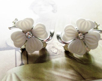 Vintage Lisner Rhinestone Flower Earrings