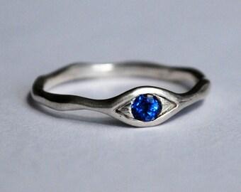 Sterling Silver and Blue Kyanite Eye Ring
