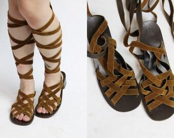 70s Lace up Gladiators 9.5 / 1970s Vintage Brown Leather Sandals / The Santa Fe Shoes