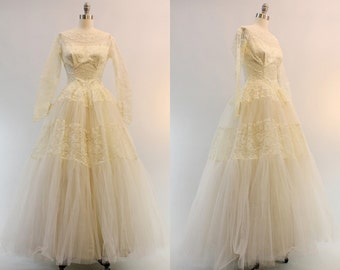 50s Wedding Gown Lace XS / 1950s Wedding Dress Tulle Full Skirt / Send Your Love Wedding Dress