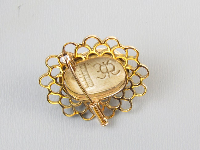 Antique Edwardian Egyptian Revival carved faience scarab 14k gold brooch pin hand crafted mounting