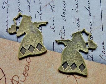 Queen of Hearts - 5 pcs Alice in Wonderland theme charms pendants - Antique Bronze tone