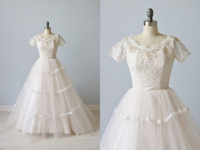 Vintage 1950s wedding dress blush pink wedding dress lace for Blush pink lace wedding dress