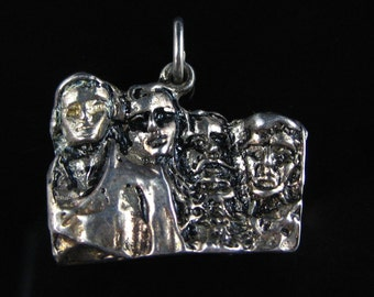 Charm, Sterling Silver, Mount Rushmore, Vacation Travel, National Monument, South Dakota, Road Trip Jewelry, Souvenir Charm