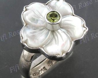 peridot mother of pearl shell flower 925 silver adj sz 9 ring