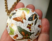 Asian Cloisonne Butterfly Pendant, 1980s,  White Green Rust Gold Lime Enamel Circle, Gold Chain Necklace,  Traditional Chinese