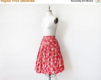 5O% OFF SALE 50s floral skirt, vintage 1950s floral print skirt, full cotton skirt, 22 w
