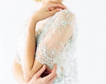 Faye - Silk wedding dress with beaded lace