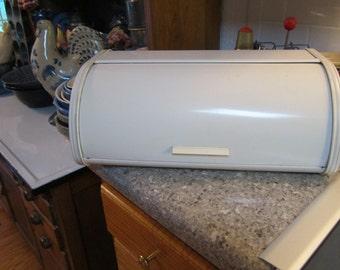 Vintage/Retro  Bread Box  - Metal-  Retractable Roll top - 1950s - Great Decor + useful !!  GOOD condition