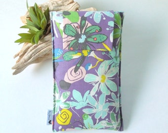 Roomy Sunglasses Case in a Flower Design