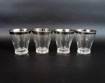Vintage Mid Century Silver Rim Rocks Glasses in Dorothy Thorpe Style. Set of 4. Circa 1950's - 1960's.
