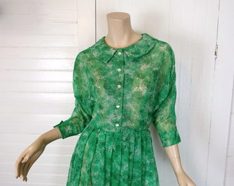 50s Dress in Green Trees Print- 1950s- Batwing Sleeves & Pleats- Medium