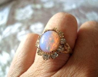 Vintage Confetti Opal Glass Ring Rhinestones Surround Gold Tone Setting Size 7