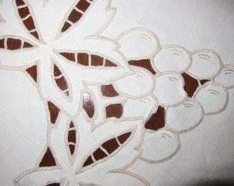 Linen cut work tablecloth, Richelieu work, 1950s cloth,  hand embroidered cloth, ivory linen luncheon cloth, square cutwork, exquisite