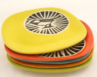 Chickadee Circle Plate - Yellow