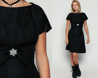 Black Party Dress 1960s Mini RHINESTONE BROOCH Cocktail Mod LBD 60s Bow Vintage Empire Waist Evening Mad Men Short Sleeve Small